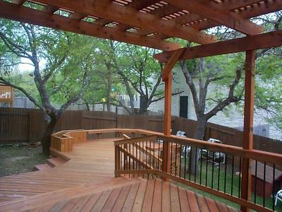 Central SC deck and pergola with seating wall