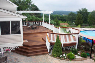 Multi-level Ipe deck with pergola