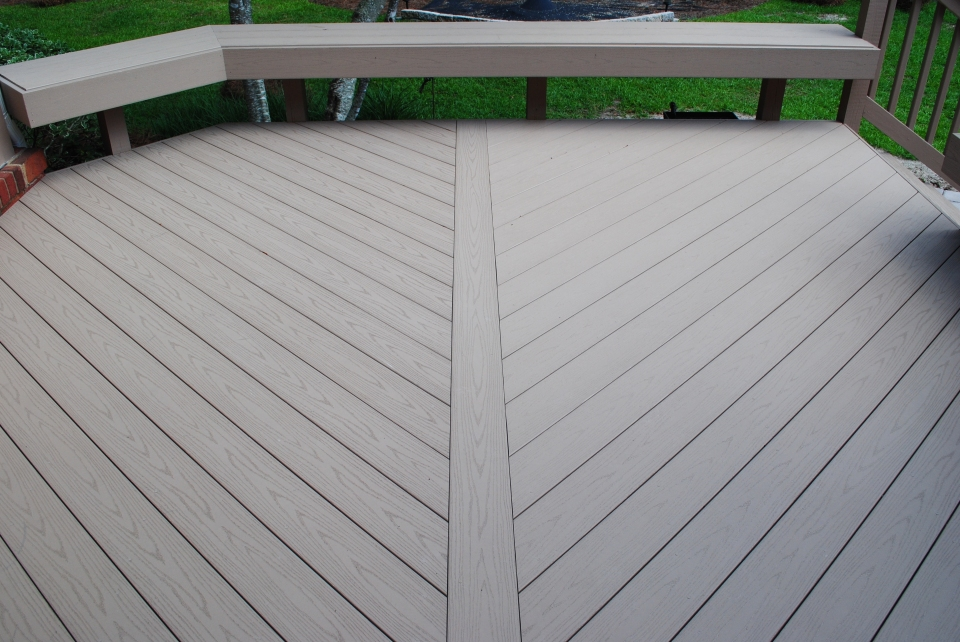 Notice the detailed parting board on this AZEK deck in Norheast Columbia ,SC.