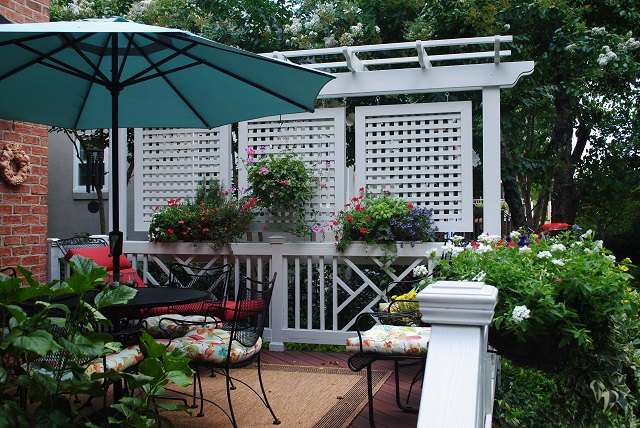 Privacy decks custom decks porches patios sunrooms for Balcony privacy solutions