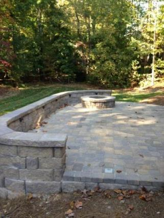 Central SC firepit with retaining wall