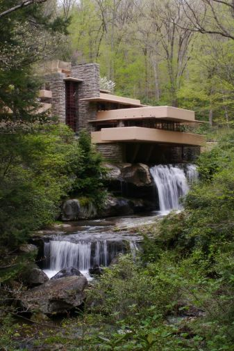 Image of Fallingwater courtesy of Pinterest