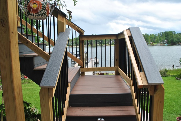 Trex low maintenance deck on Lake Murray in Lexington SC