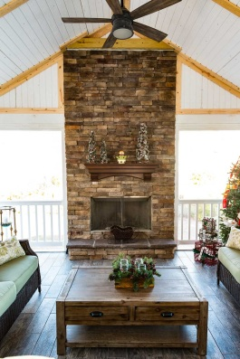 Columbia Screened Porch decked out for the holidays